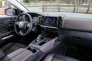 시트로엥 뉴 C5 에어크로스 SUV 실내.