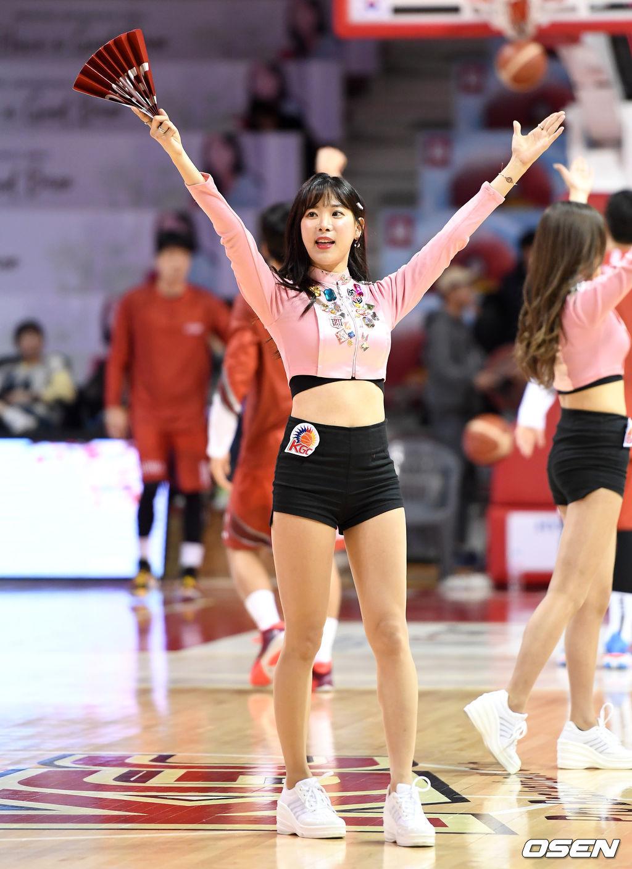 [사진]치어리더 김한나,'새해 복 많이 받으세요'