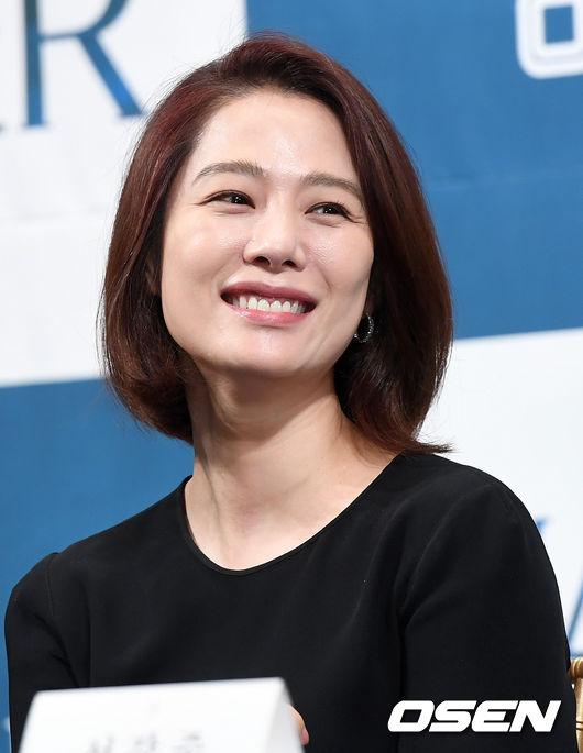 [OSEN=최규한 기자]배우 김현주가 참석해 미소짓고 있다. /dreamer@osen.co.kr