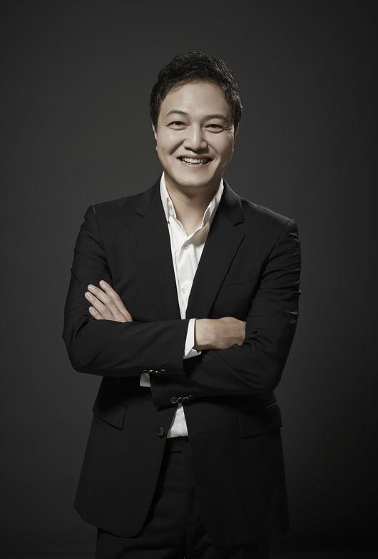 [사진=큐로홀딩스 매니지먼트 제공] 배우 정웅인이 '99억의 여자'에서 아내를 학대하는 남편 홍인표 역으로 열연했다.