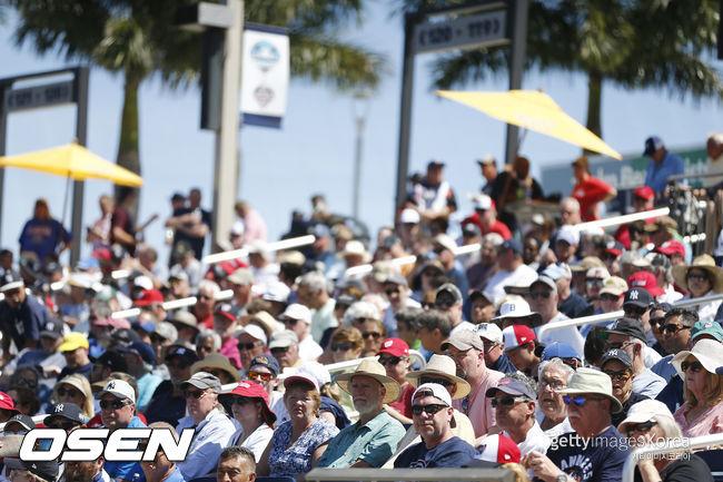 [사진] 시범경기를 보는 관중들. ⓒGettyimages(무단전재 및 재배포 금지)
