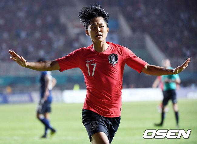 [OSEN=보고르(인도네시아), 이대선 기자]경기 연장 전반 3분 한국 이승우가 선제골을 넣은 후 세리머니를 하고 있다. /sunday@osen.co.kr