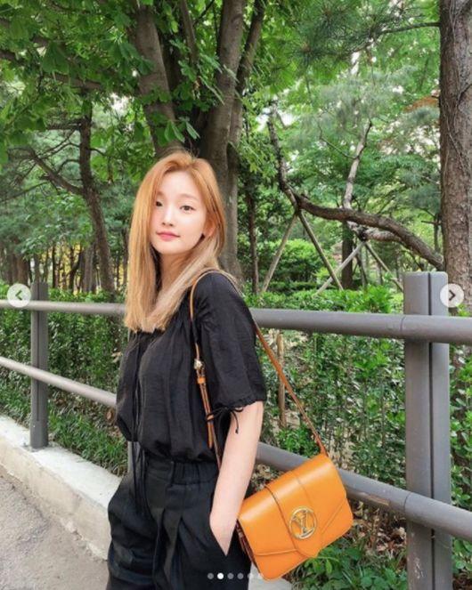 박소담, 금발 변신+올블랙 패션에 명품백..물오른 미모[★SHOT!]