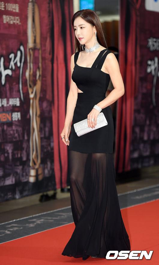 [사진]김혜진,'포인트는 시스루'