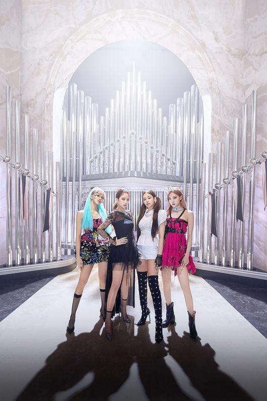 블랙핑크x레이디 가가 'Sour Candy', 영국 오피셜 싱글차트 17위 진입[공식]