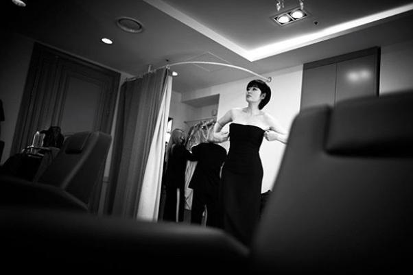 김혜수, 블랙 튜브톱드레스 입고 고혹美 발산..'할리우드 배우'보다 멋져[★SHOT!]