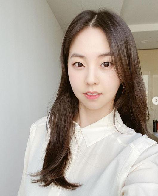 안소희, 만두 소희는 그만‥청순 열매먹은 '숙녀美' 뿜뿜 [★SHOT!]