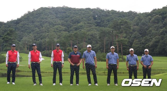 [OSEN=홍지수 기자] 한국 스포츠 레전드들이 한 자리에 모여 골프 실력을 뽐냈다. 2002년 한일 월드컵 4강 신화의 주역들과 스포츠 예능 '뭉쳐야 찬다' 멤버들의 골프 대결이 진행됐다.