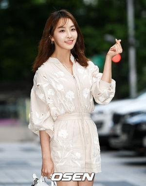 [사진=OSEN DB]배우 정유미가 '검법남녀 시즌2' 종방연에서 포토타임을 갖고 있다.