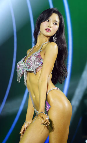 [OSEN=민경훈 기자]커머셜모델 여자 그랑프리에 선정된 서울대 재학 중인 송서현이 워킹을 하고 있다. /rumi@osen.co.kr